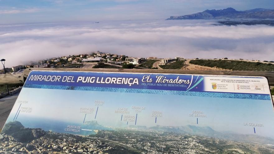 Un mar de nubes se traga el litoral desde Xàbia a Calp
