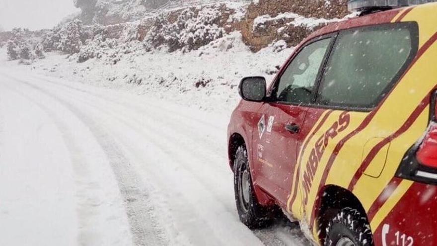 La nieve afecta a varias carreteras del interior de Castelló