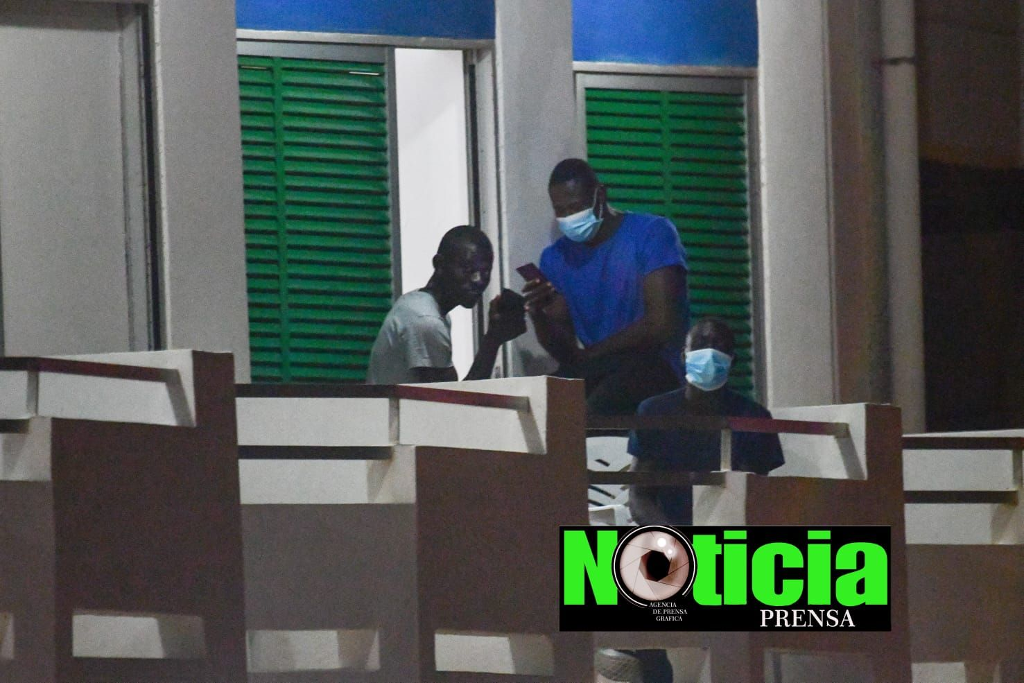 Migrantes en un hotel de Tenerife