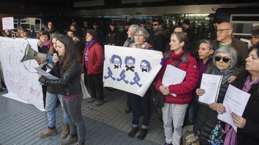 """La asamblea feminista denuncia la """"represión"""" del Estado el 8M"""