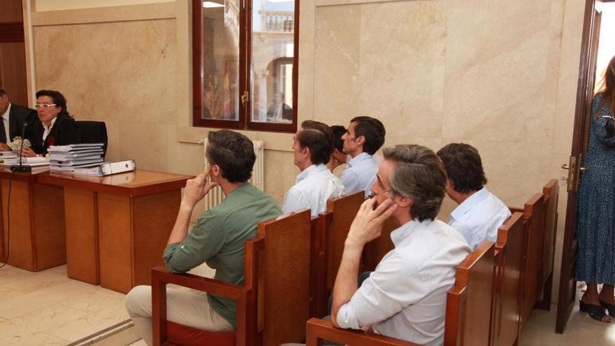 Los Ruiz Mateos descargan en su padre la compra del hotel de Mallorca