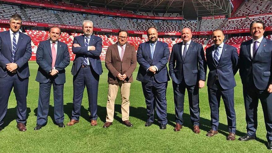 El Oviedo y el Sporting se reconcilian y firman la paz tras 19 meses de crisis