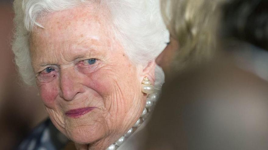 Barbara Bush se someterá a tratamientos paliativos