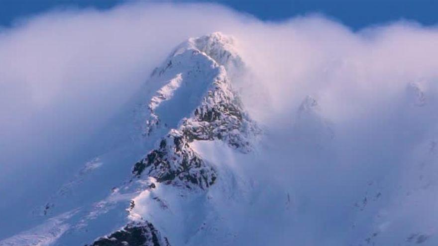 Al menos una decena de escaladores muertos por un alud al norte de Teherán