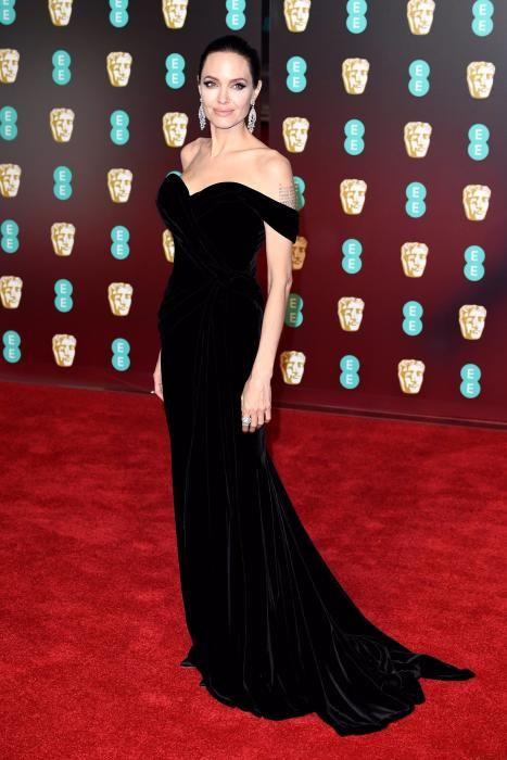 Angelina Jolie y sus cinco looks 'total black' más espectaculares