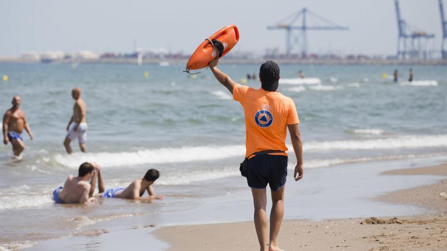 Prohibido el baño en las playas de la Patacona y Port Saplaya Norte de Alboraia
