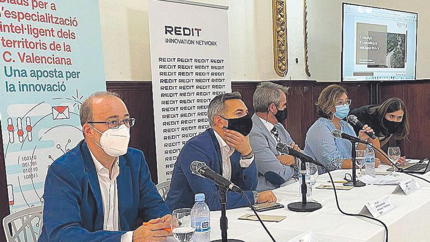 El Consell presenta en Alzira su plan para acercar el futuro a las empresas