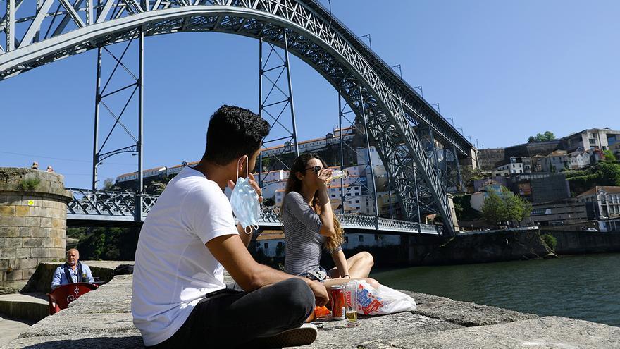 Portugal aclara las condiciones para poder entrar en el país