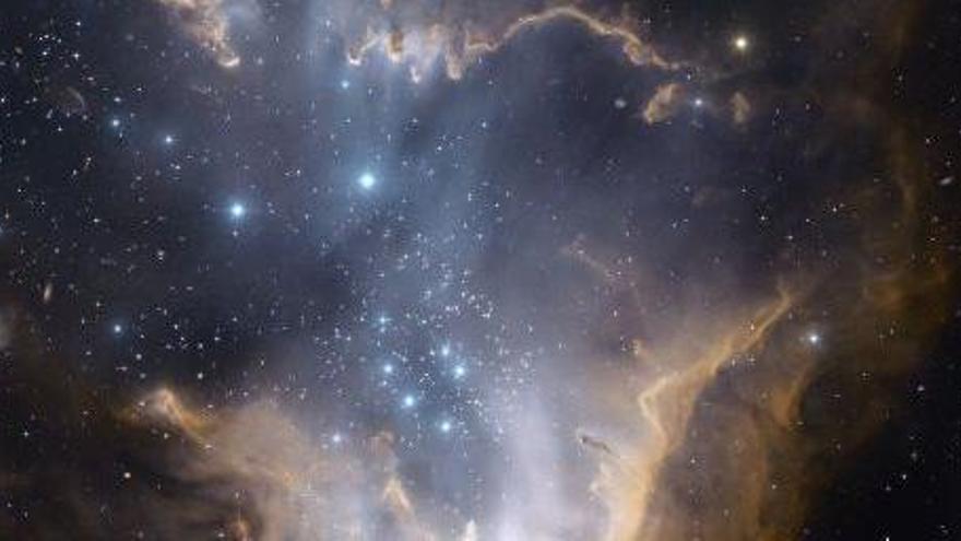 Descubren una treintena de galaxias con el doble de masa que la Vía Láctea