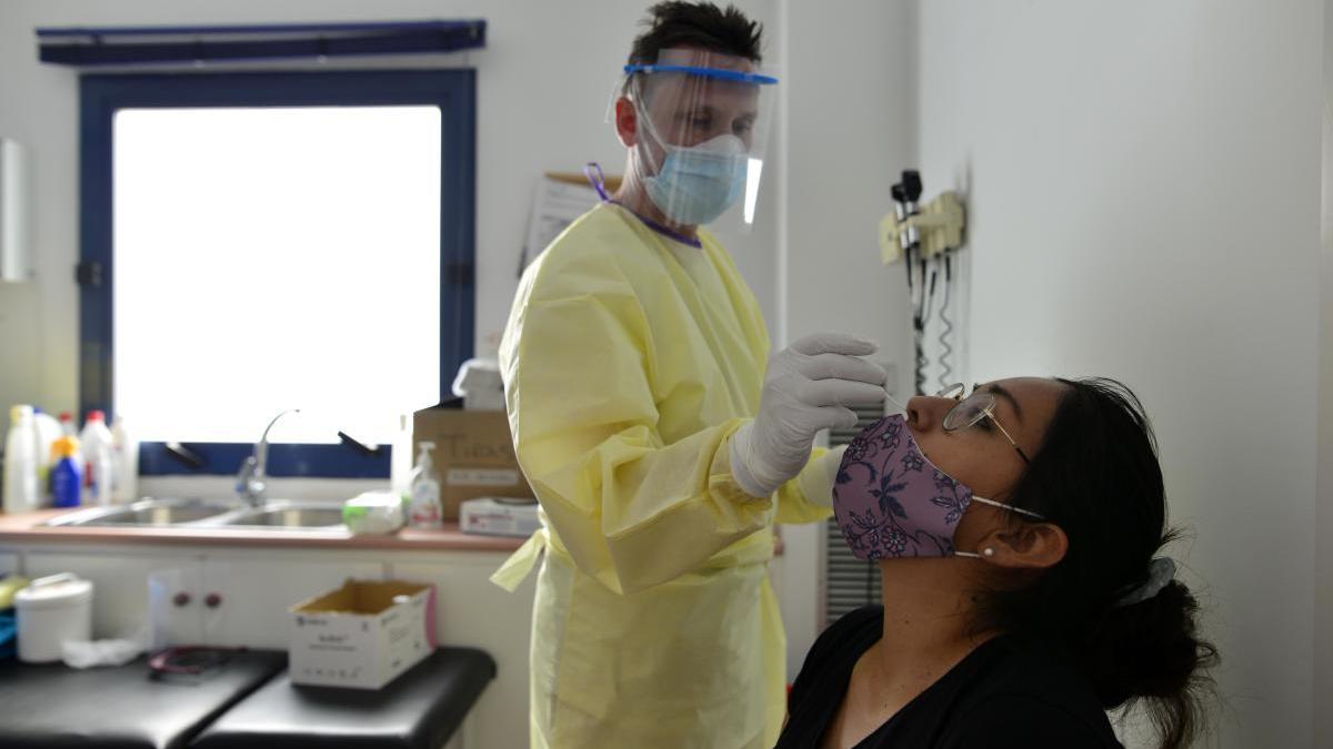 El punto covid del barrio Peral de Cartagena ya realiza pruebas PCR