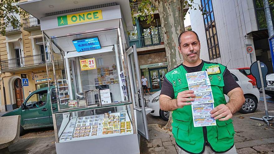 L'Once renova quioscos de venda a Figueres per a millorar l'ús i l'accessibilitat