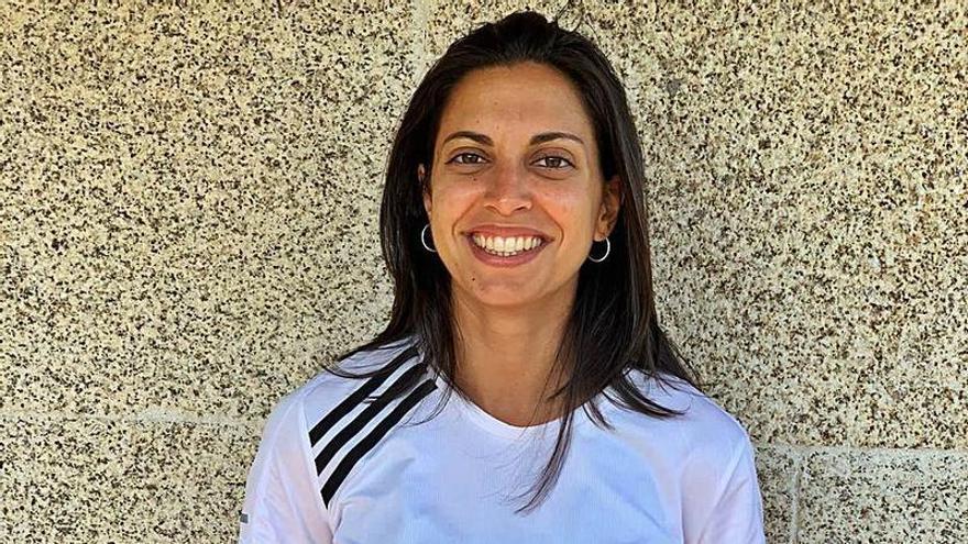 La mediocentro Ana Buceta, séptimo fichaje del Oviedo Femenino