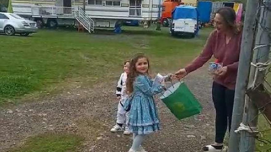 Silvana cumple 4 años confinada en la caravana