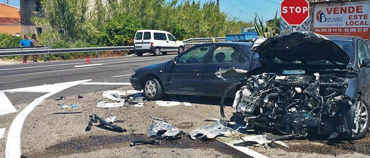 Un accidente de tráfico grave justo en el cruce que ahora va a ser modificado.   LEVANTE-EMV