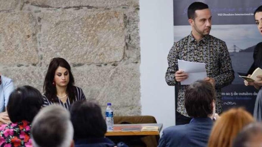 De San Simón a Sargadelos y del poemóbil al barco de ría: la poesía ocupa Vigo con Kerouac