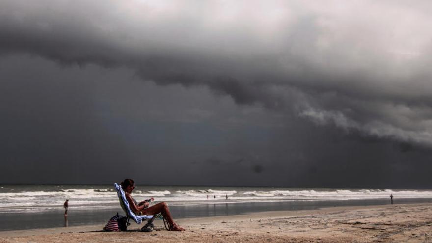 Carolina del Sur ordena evacuar a 800.000 personas