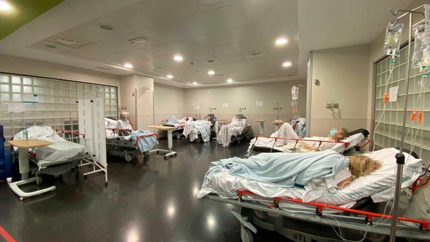 Denuncian «un nuevo colapso» en las urgencias de Son Espases con medio centenar de pacientes esperando