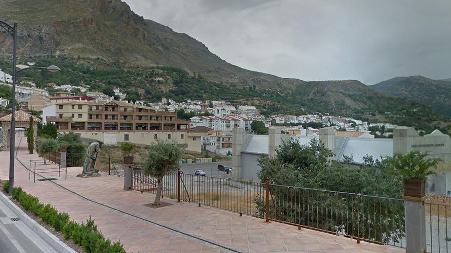 Hallan muerto a un hombre tras el incendio de una vivienda en Granada