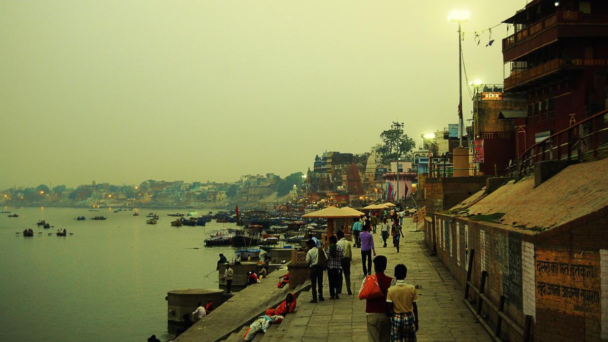 Paseo a las orillas del Ganges