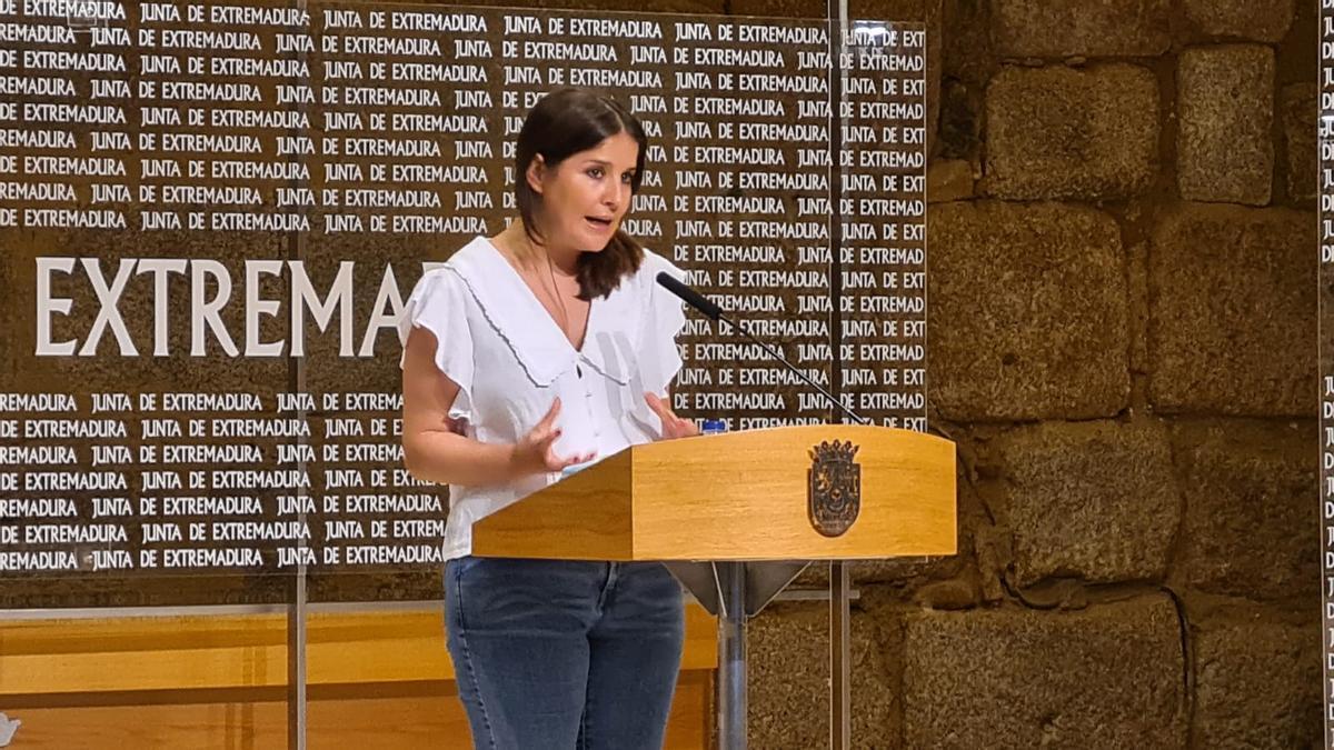 Isabel Gil Rosiña durante la rueda de prensa de este miércoles después del Consejo de Gobierno.