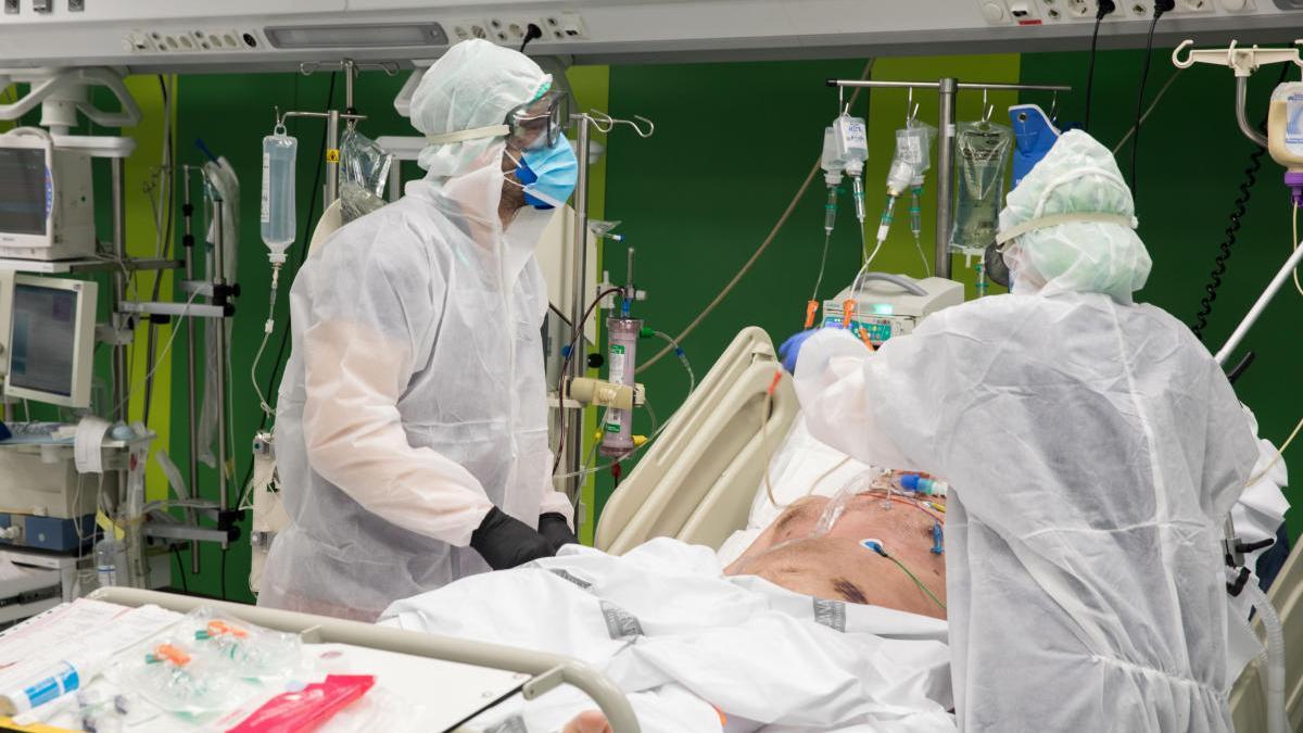 La Región lamenta 22 muertos, la cifra más alta de toda la pandemia, entre ellos una joven de 30 años