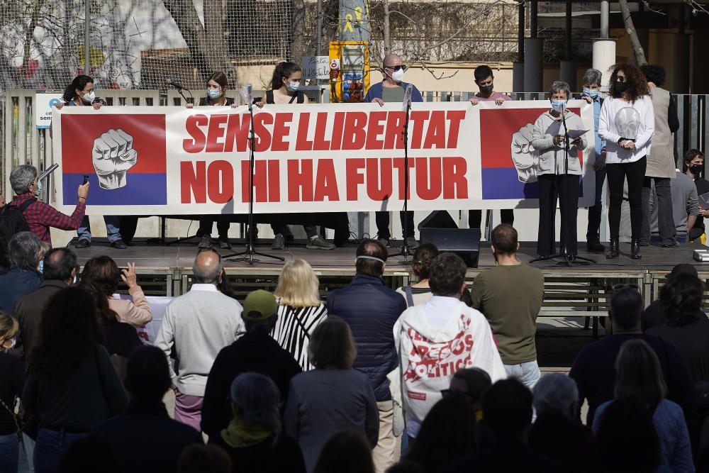 Manifestació a Girona per la llibertat d'expressió, el futur dels joves i l'autodeterminació