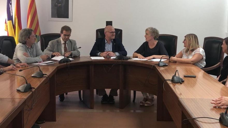 Sa Pobla y la UIB firman un convenio para mejorar la atención a los usuarios de servicios sociales