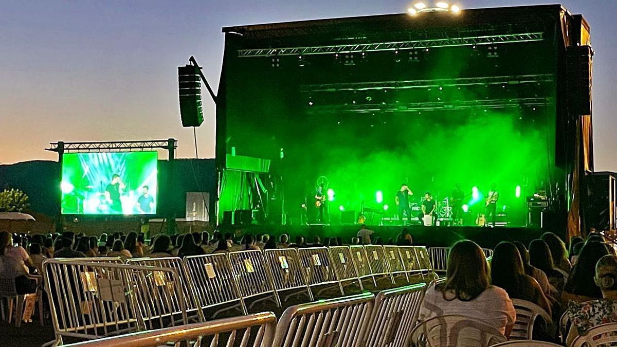 Imagen del concierto de Dvicio.   | // FARO