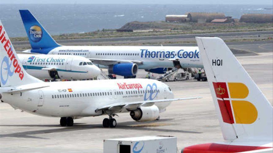 Galicia y Canarias buscan vías de colaboración en  el sector aeronáutico
