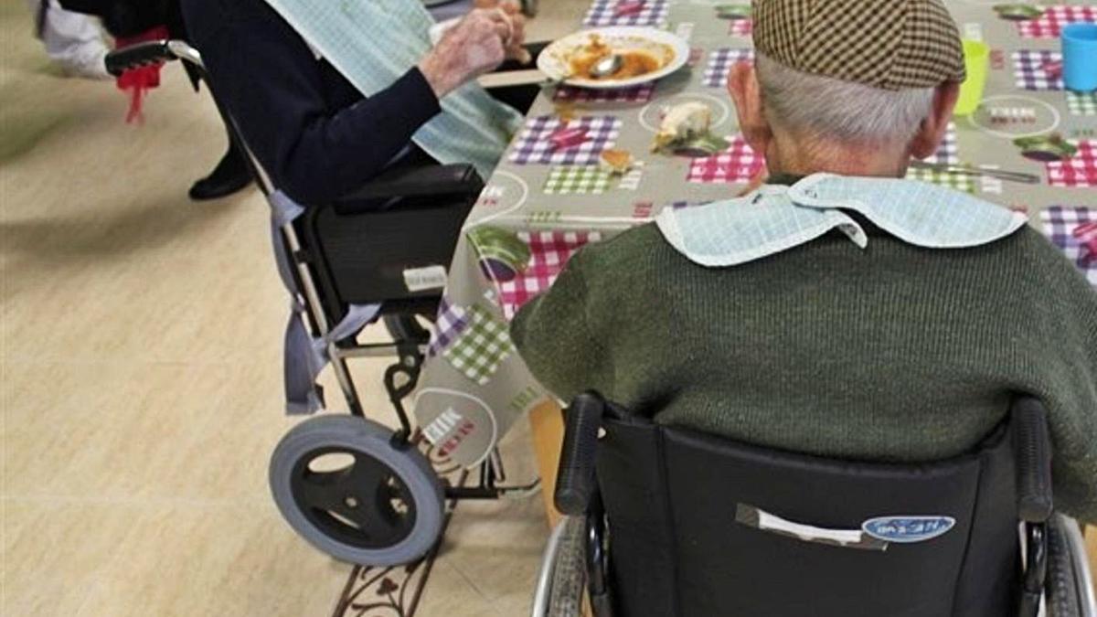 La atención a personas mayores cobra un especial impulso en las cuentas 2021. | EUROPA PRESS