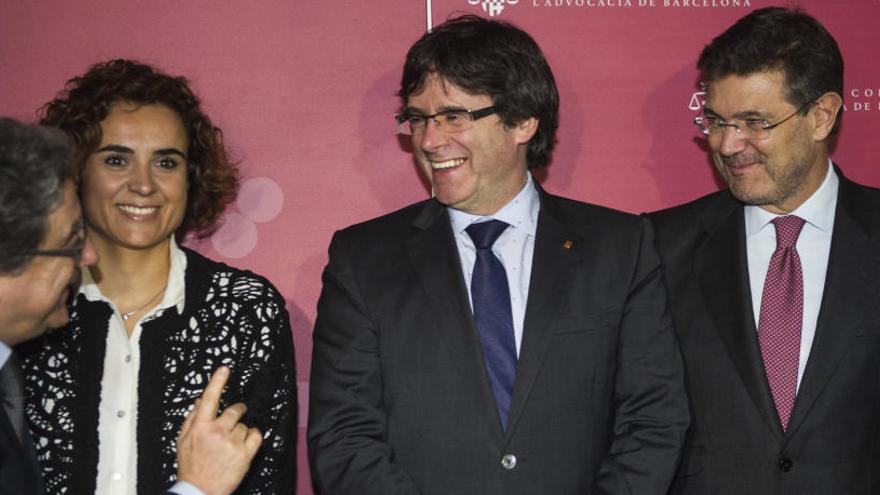 Puigdemont niega contactos secretos con el Gobierno