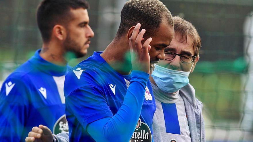 """Fernando Vázquez: """"Este non é un derbi; o derbi é co Celta, non co filial"""""""