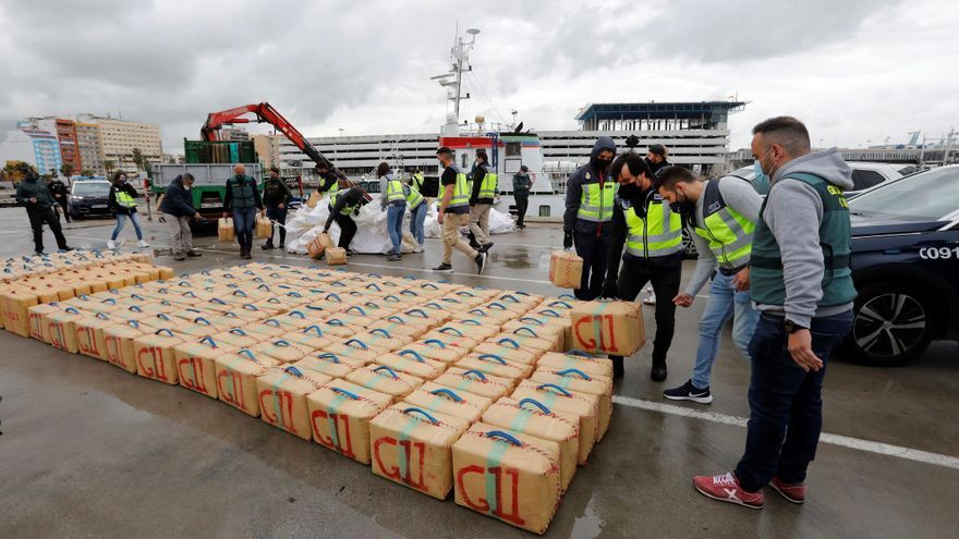 Al menos 64 detenidos en varias ciudades españolas en una operación contra el tráfico internacional de hachís