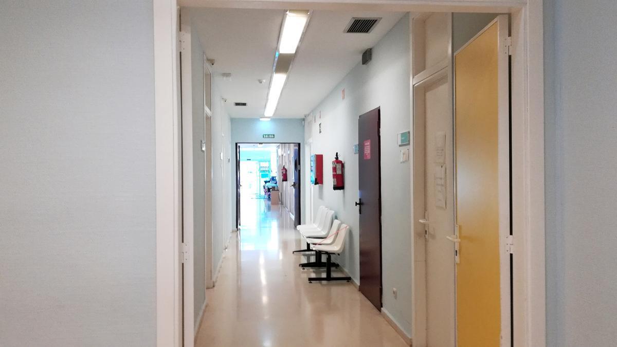 La afluencia de pacientes ayer por la tarde en Actur Sur, que cierra sus urgencias, fue baja.