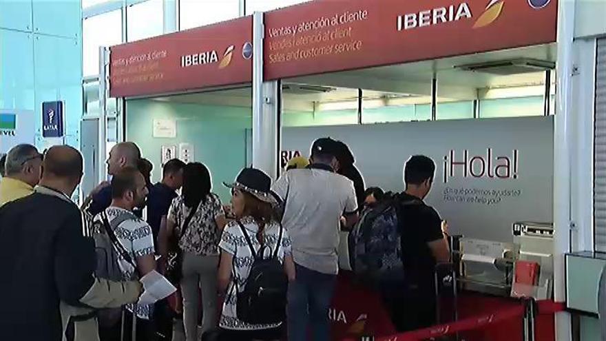 Más de 80 vuelos cancelados en el segundo día de huelga de Iberia en El Prat