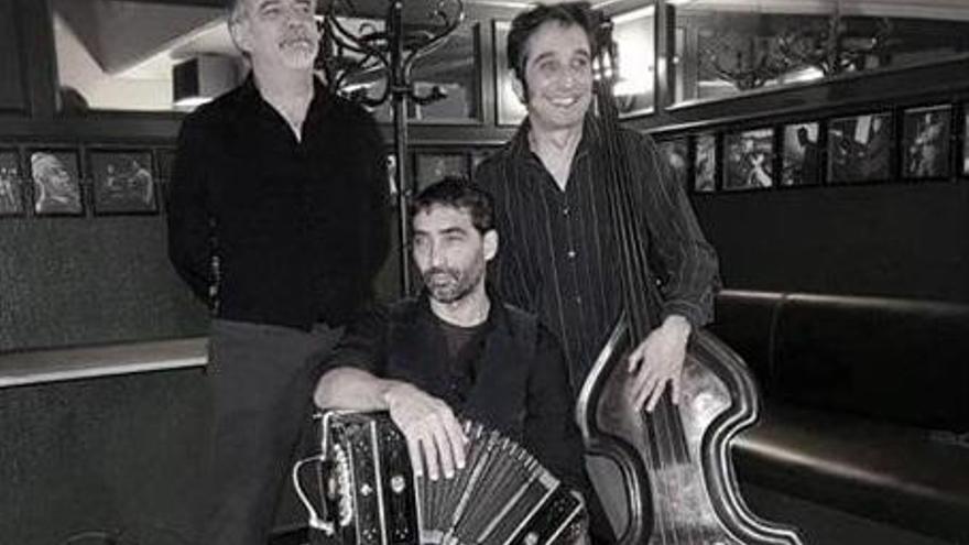 La banda Malevaje actúa en la sala Ambigú de la Axerquía