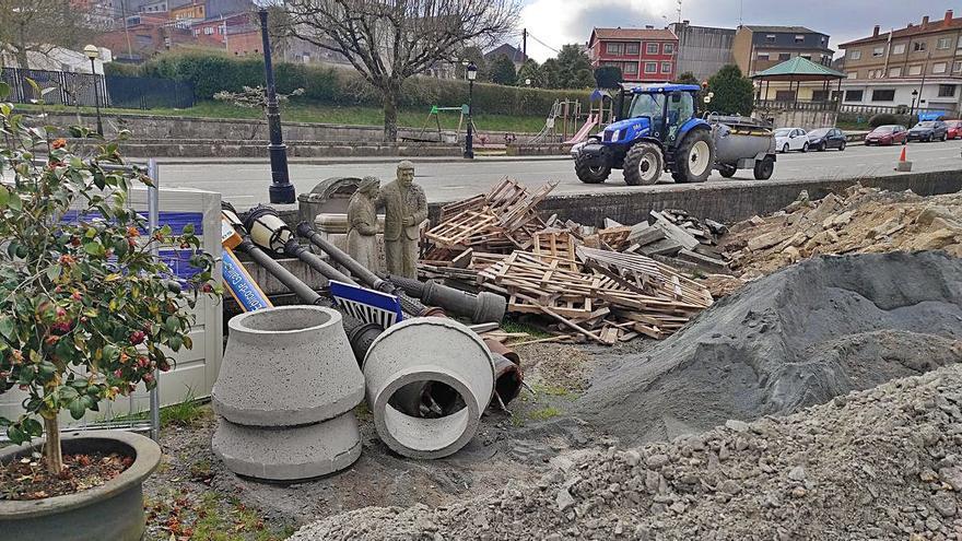 Unidade por Rodeiro denuncia la acumulación de escombros junto al río