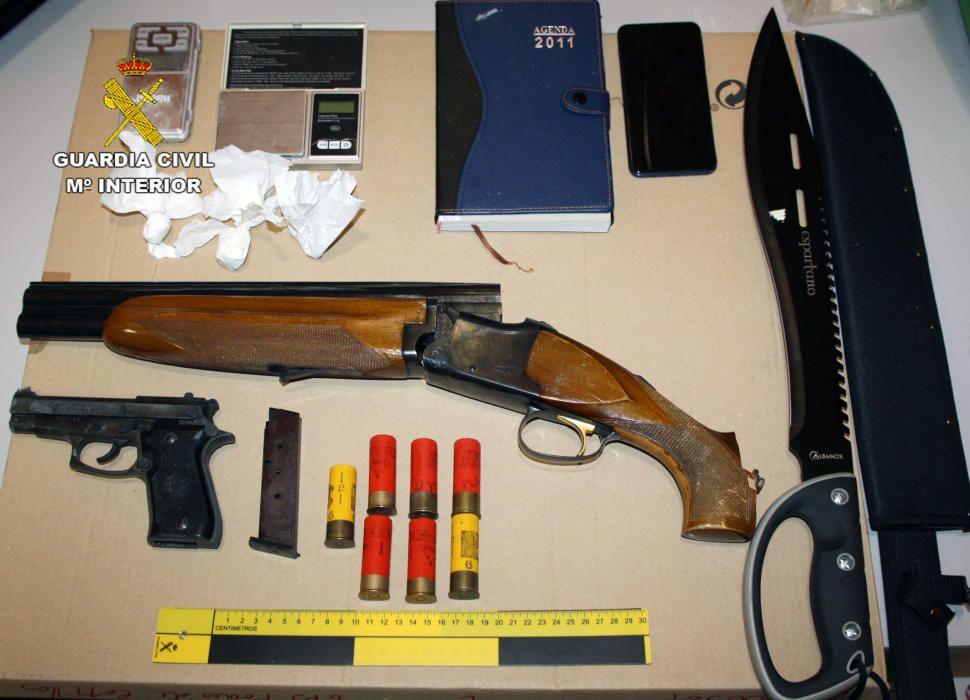 Pillados en Ceutí con armas y droga
