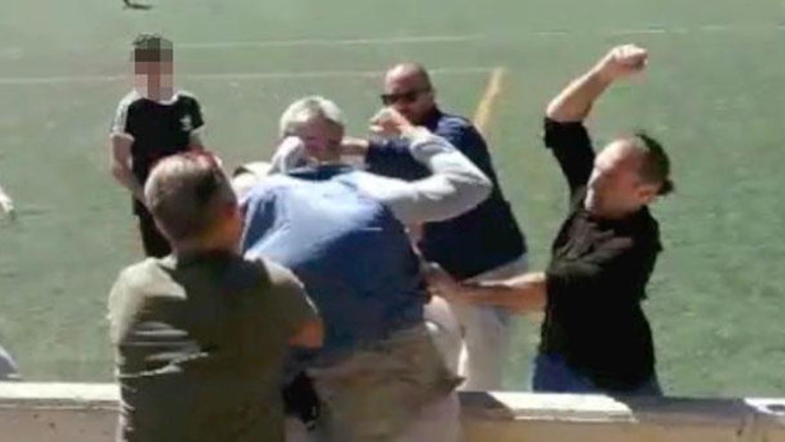 Batalla campal entre padres en un partido de infantiles en Alaró