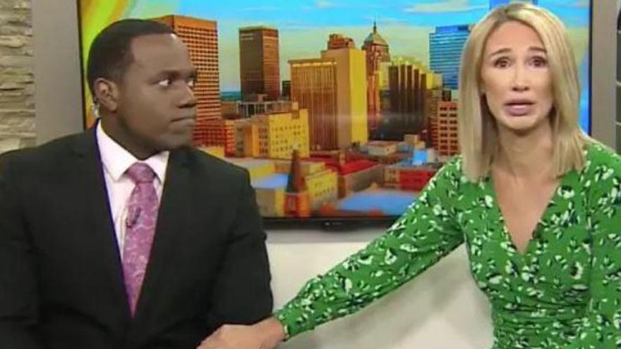 Una presentadora compara en directo a su compañero negro con un gorila