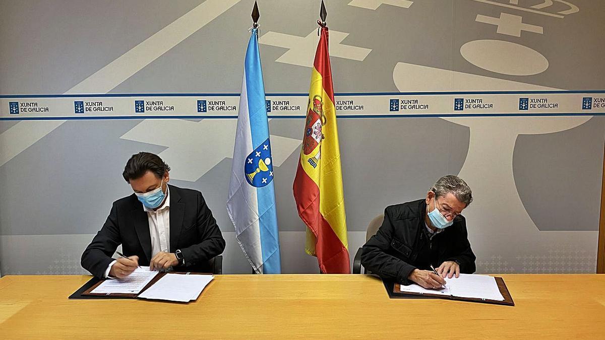 Firma del convenio entre la Secretaria Xeral de Emigración y la Asociación de Emigrantes Retornados.