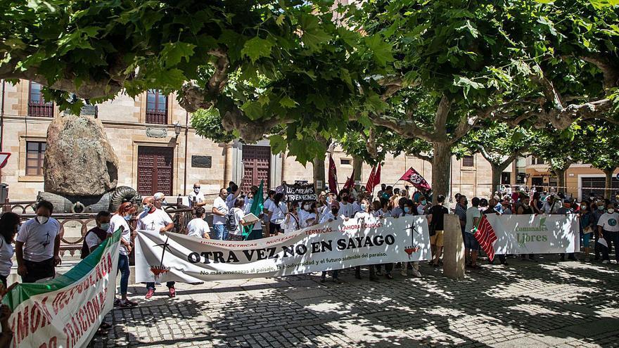300 personas exigen en Zamora un modelo energético de autoconsumo