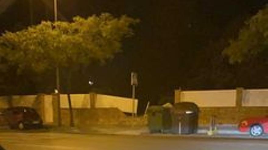Un conductor drogado empotra su furgoneta contra una fachada en la Gran Vía de Castelló