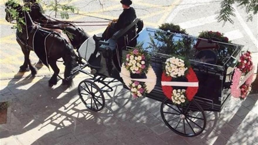 """Trabajadores de Tanatorios de Córdoba instalan este martes una """"capilla ardiente por el empleo"""""""