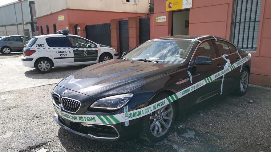 El vigués sospechoso de matar al novio de su exmujer y herirla en Portugal se tira desde Rande