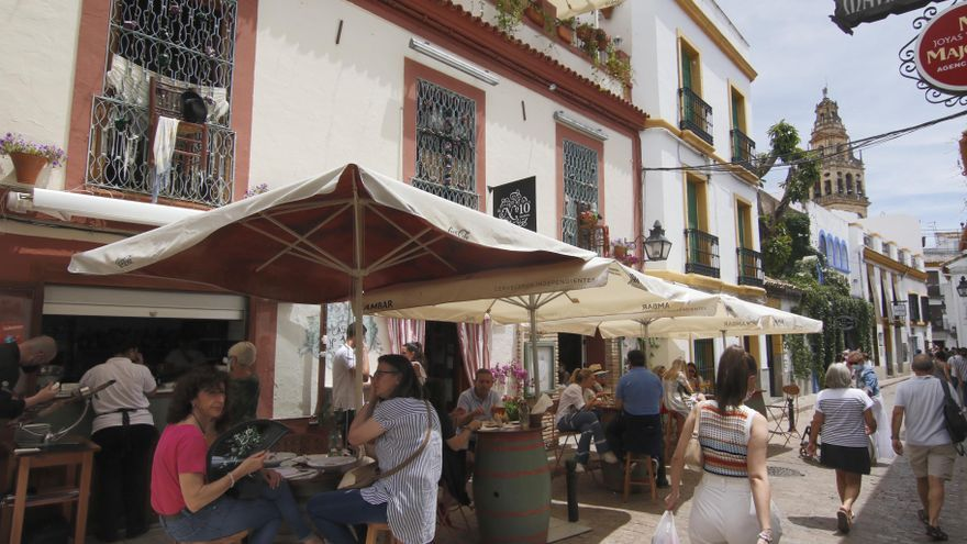 La hostelería reclama la ampliación de horarios para adaptarlos a las temperaturas del verano
