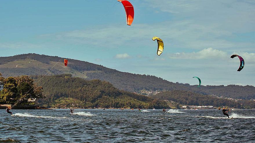 Cesantes inaugura el circuito gallego de kitesurf