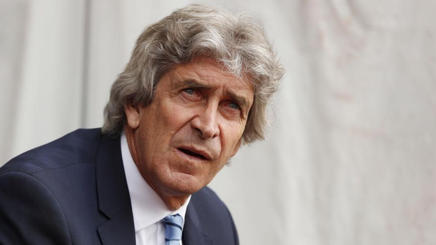 Manuel Pellegrini entrenará al Betis hasta junio de 2022