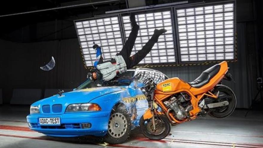Así es el airbag para motos que la DGT quiere que usen todos los motoristas