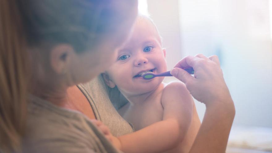 Cuándo Deben Empezar A Lavarse Los Dientes Los Niños Levante Emv